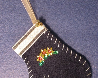 5 inch Navy Blue Beaded Felt Mitten Ornament