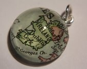 Ireland Map Pendant - Beautiful colours - With 925 Sterling Silver Celtic Trefoil Knot on back - From vintage Thesaurus
