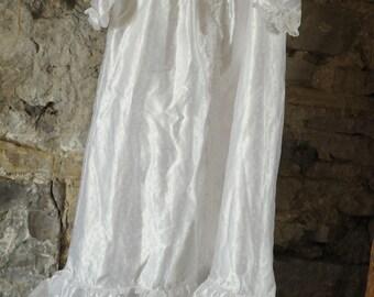 Beautiful vintage baby Christening dress / Baptism gown 1970s Satin white baby / toddler dress Bridesmaid dress