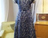 Beautiful 50s vintage atomic print dress - sz medium