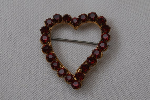 Vintage Red Rhinestone Heart brooch