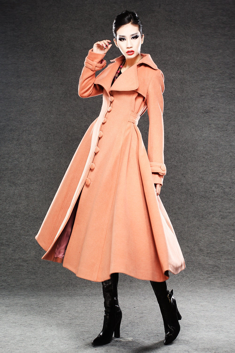 Swing coats are dressy, attractive, and an excellent means to feel your best. Fashionistas and women admire the beauty and design of these vintage swing coats. Look for the right color and material from the many listings to find the one for you.