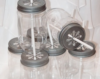 PLASTIC Style MasoN JARs 12 with Pewter Daisy LiDS AND Color Labels…Trendy Fun Vintage Inspired ...InSeRt StRaW in CenteR NoW UNbreaKabLe
