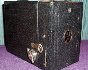 Hawk-Eye No 2 Cartridge Model C by Eastman Kodak Circa 1927 Box Camera, black body