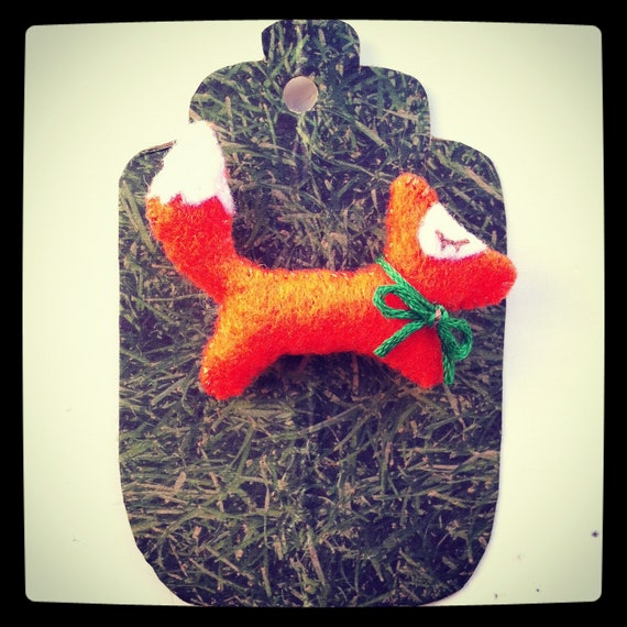 Felt Box Brooch @owlprintpanda.blogspot.co.uk