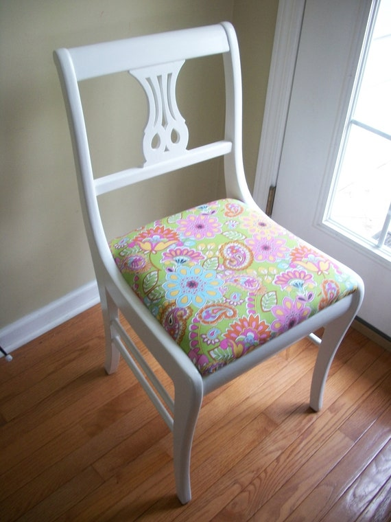 Vintage Accent Chair With Preppy Paisley Print Fabric