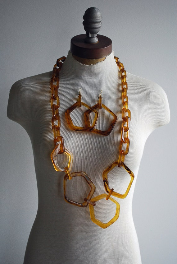 1960's Mod Plastic Tortoise Oversized Chunky Link Demi Parure Set Necklace and Pierced Dangly Hoop Earrings