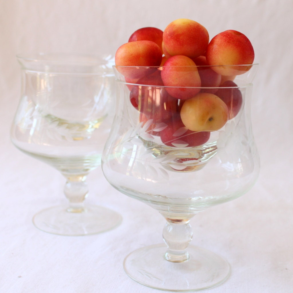 etched crystal shrimp cocktail glasses antique set of 6 new. Black Bedroom Furniture Sets. Home Design Ideas