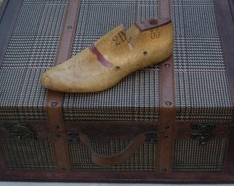 WOODEN SHOE LAST,  Vintage Child's Shoe Form, Child's Shoe Last, Mid Century Vintage, Unique Paperweight, Teacher Gift
