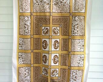 Vintage Print Tablecloth, Vintage Floral Tablecloth, Yellow, Tan, White Tablecloth, Vintage Table Linens, Vintage Kitchen Linens
