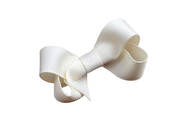 Small ivory hair bow - ivory boutique bow, baby bow