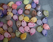 teardrop shaped multi clour beads for jewellery making. 40g supplied in an organza bag