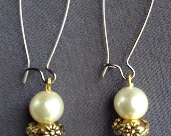 Dangle Pearl Earring