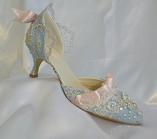 unique elegant wedding shoes crystals jewels rhinestones