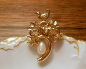 Vintage Avon Partridge Brooch, Gold Tone Bird with Faux Pearl