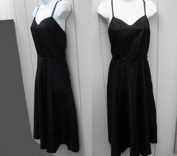 Vintage 40s / 50s BLACK Rayon SLIP with zipper / sz lge
