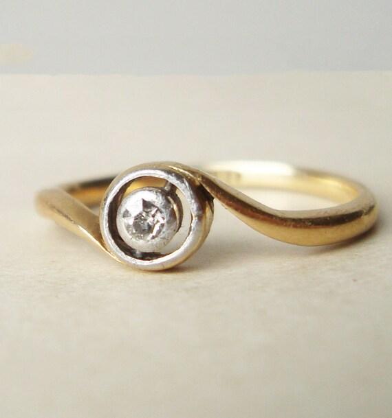 Art Deco Diamond Ring, Antique Engagement Ring, Geometric Round Solitaire Diamond Ring, Diamond & 18k Gold Wedding Ring Size US 6.5 / 6.75