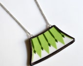 Wide Broken Plate Necklace - Modern Green Pattern - Recycled China