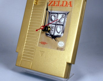 VINTAGE Gold Nintendo Zelda Cartridge Clock (1987)