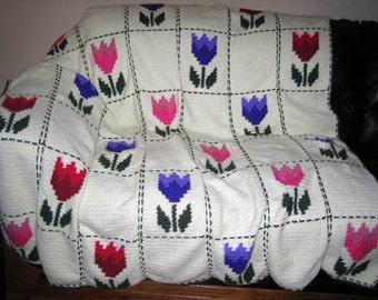 Beautiful Tulip - Hand Made Crocheted Afghan - BRAND NEW