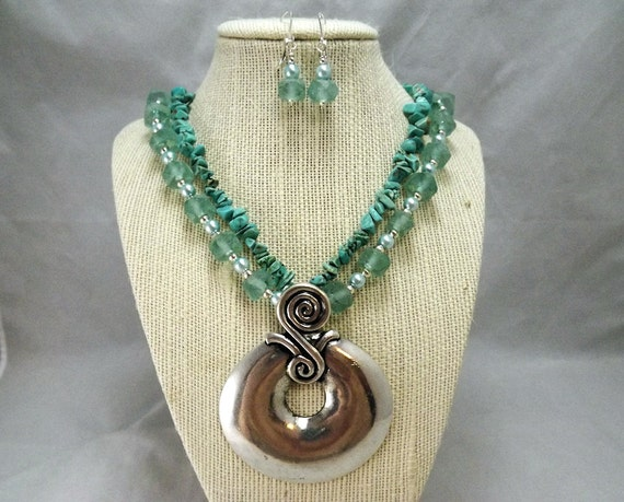Statement necklace and earrings set in aqua, turquoise and silver, South Pacific, TPMB.