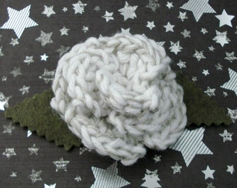 Astrid Peth - Crocheted Rose Lapel Pin - White and Silver (SWG-PL-DWAS01)