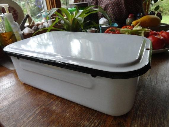 1940s enamel refrigerator pan