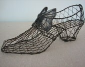 Wire Shoe With Metal Bow for Mixed Media or Shabby Chic Decor