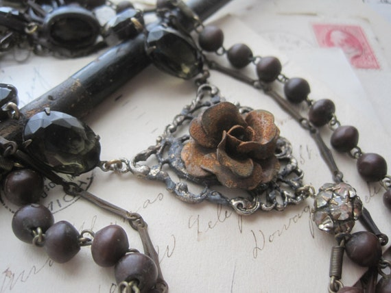 assemblage victorian tribal necklace with smokey gray vintage glass, shabby chain and african rosary. Rouillé Roses.  gift box