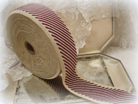 vintage spool cotton twill tape . two tone . natural with burgundy diagonal stripes . lots of yards