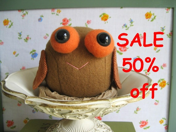 SALE 50% off pretty Baby Owl in Nest