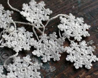 Crochet Garland - Small Doily Bunting -- Snowflake garland - white linen -- 10 snowflakes