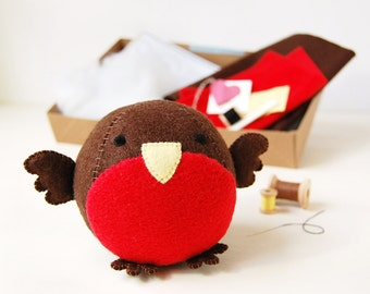 Robin Craft Kit - Make Your Own - Children's Sewing Kit - Creative Activity Kit - Robin Toy - Bird Toy - Bird Lover