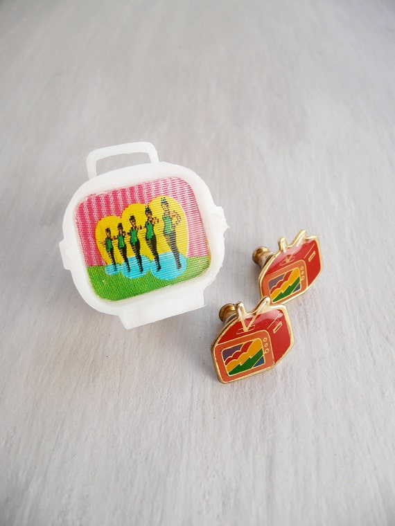 CLEARANCE - Vintage TV Earrings and Pin with changeable image