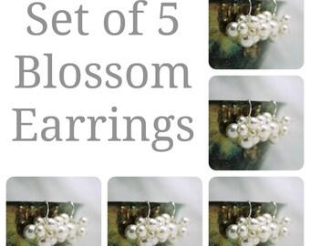 Set of 5 Bridesmaids Earrings, Five Swarovski Pearl Cluster Earrings, Bridal Party Gift, Wedding Earrings, Bridesmaids Gift, Bridal Earrings