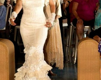 Flamenco Inspired Bridal Wedding Dress in Whites and Ivory Size 6