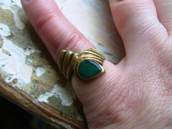 RESERVED for Sara FREE SHIPPING Vintage Brass Ring with Green Accent - Size 6