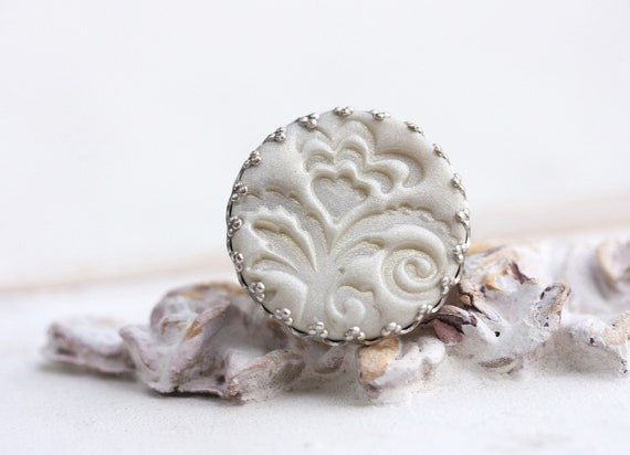 Cream white ring with lace print and golden shimmer, cream, silver, romantic