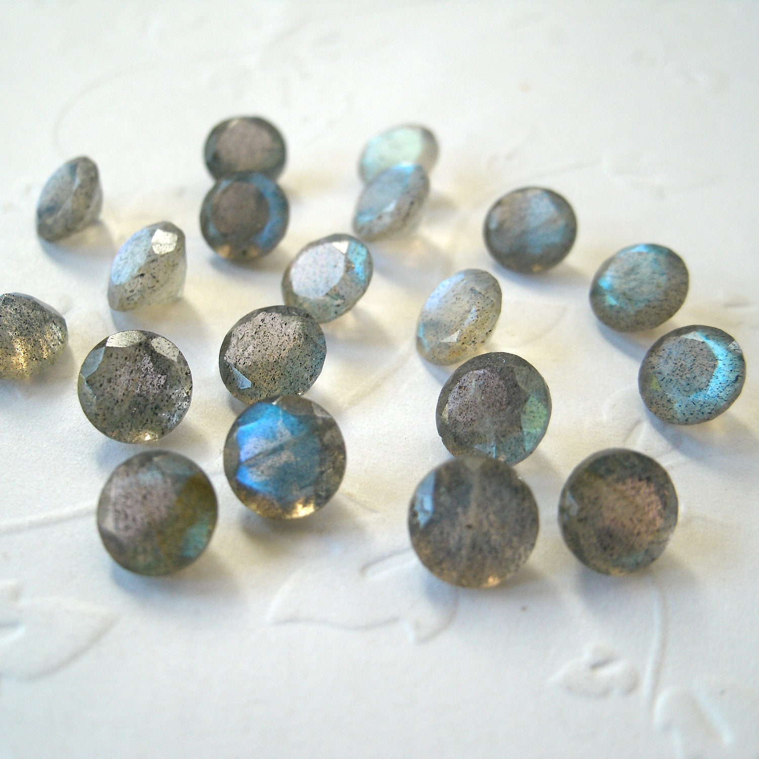 faceted gemstones labradorite brilliant cut aaa 6mm for one