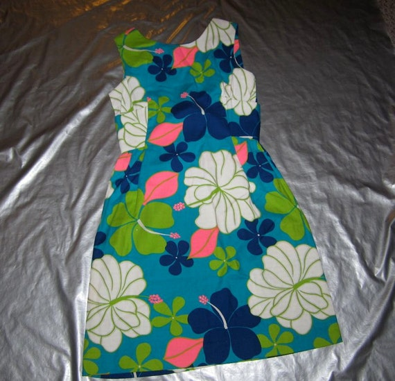 Vintage 1960's or 1970's HAWAIIAN DRESS - Women's/Misses 8 Medium - Pink Turquoise Blue Floral Print