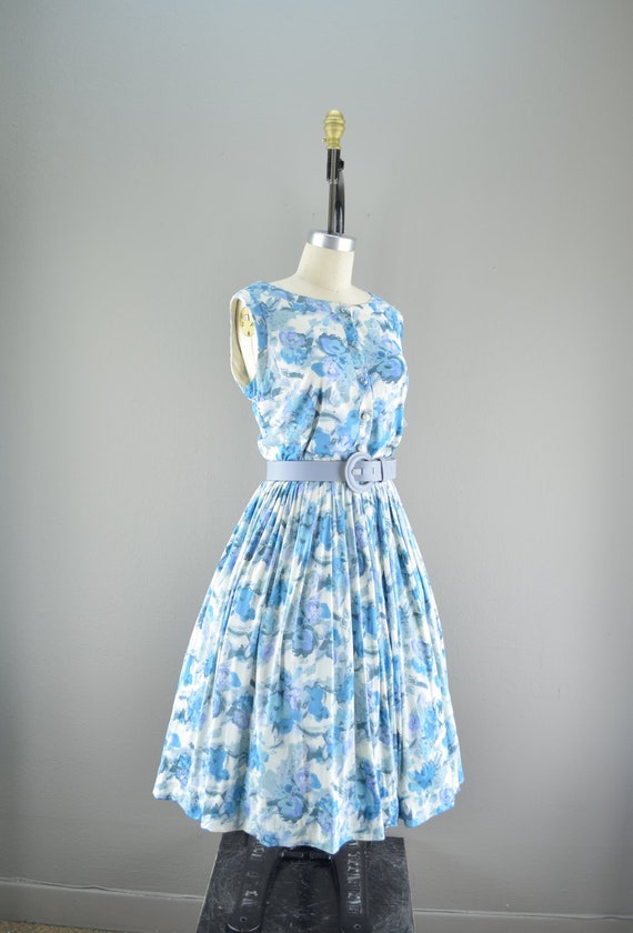 Late 50s floral print day dress size medium large Vintage 1950s casual summer full skirt Mad Men