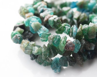 Full Strand, Nature Raw Apatite Chips, 5-10MM