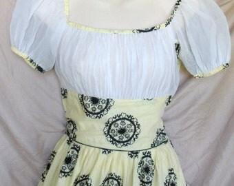 Vintage Mid Century Summer Peasant Dress