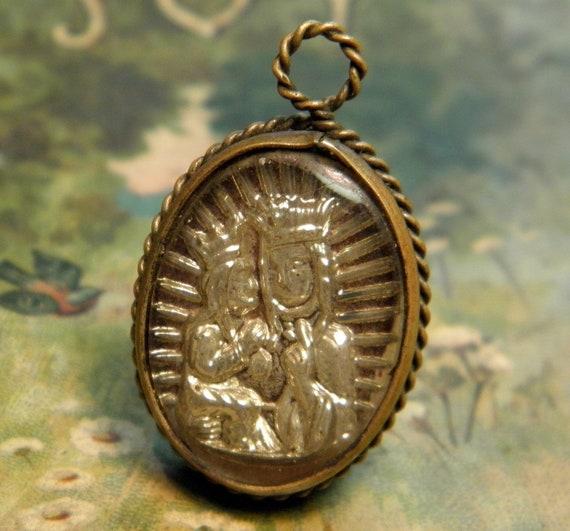 Vintage Religious St Anne Intaglio Bubble Pendant