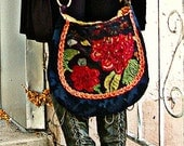 Red roses Tapestry bag