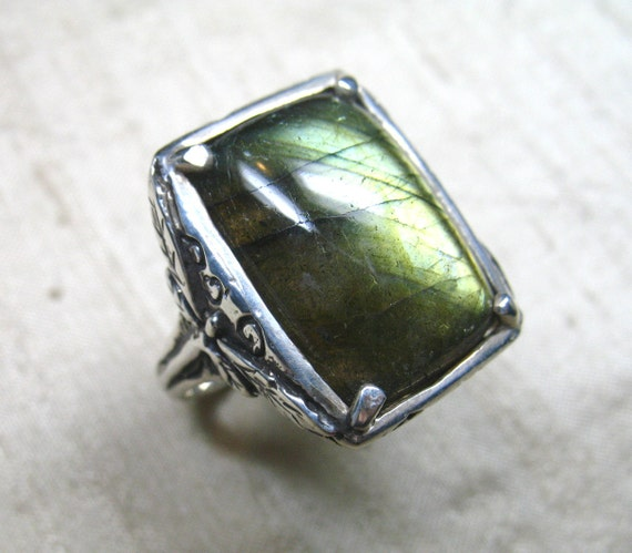 Dragonfly Ring- Sterling and Labradorite