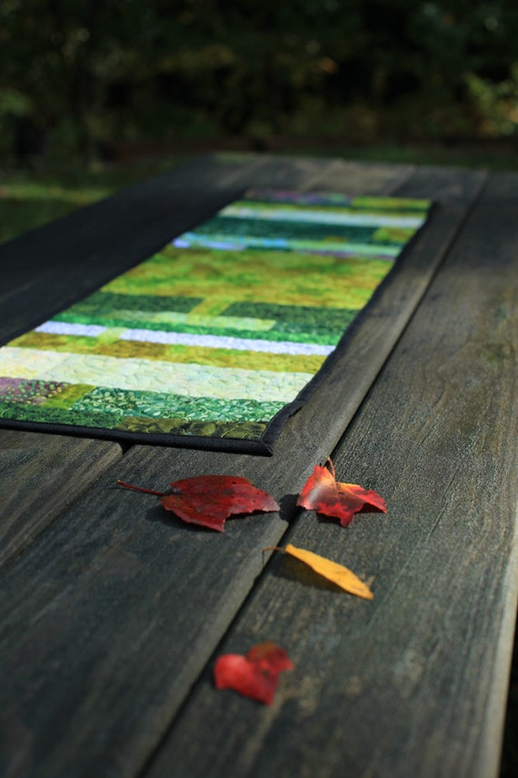 quilted table runner - Chincoteague waterways