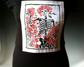 Women's Skeleton and Roses / Grateful Dead / Macabre / Day of the Dead Sewn Patch on Cotton Stretchy Crew Neck Tee / T Shirt in Black