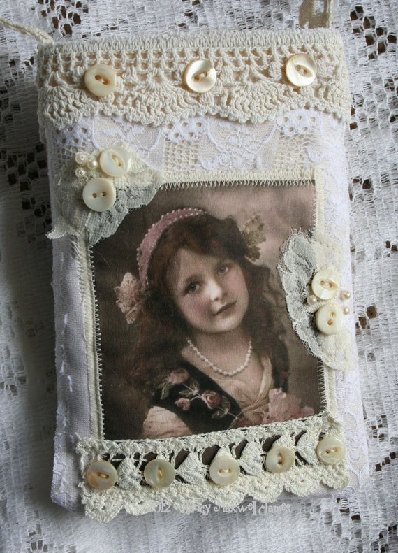 Sweet Lisbeth HANDMADE Vintage Lace Fabric Collage Pouch