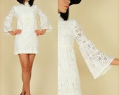ViNtAgE 60's Babydoll Bell Sleeve White Cotton Lace Mini Dress xs/s